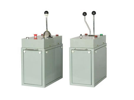 TQK4系列联动台起重机控制台